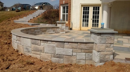 Paver retaining wall